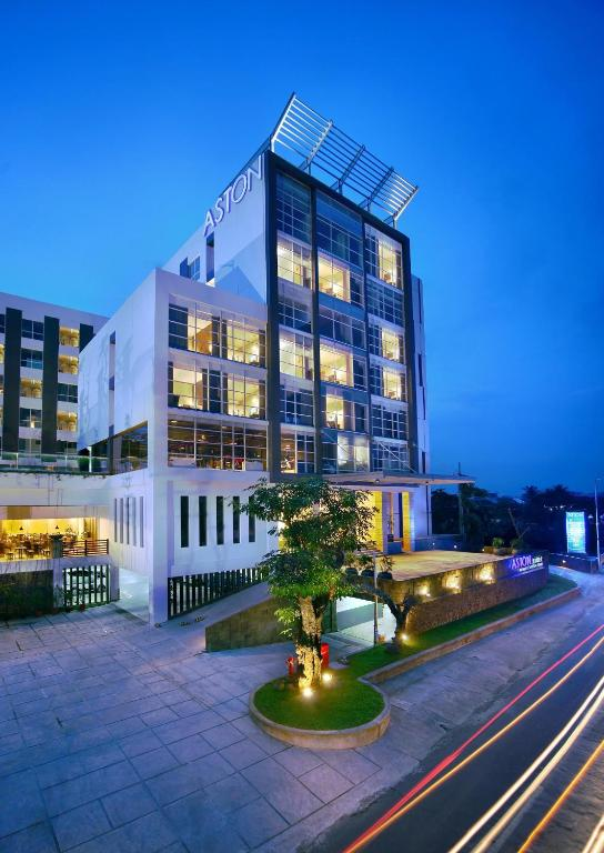 Aston Jember Search Your Aston Hotels Based On Location Aston Jember Hotel And Conference Center Kebonsari Reserva Tu Hotel