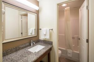 Quality Inn and Suites Coeur D Alene Photo Picture Image 95899417