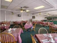 Budget Host Inn in Quincy, IL -Outdoor Pool - Pets Allowed ...