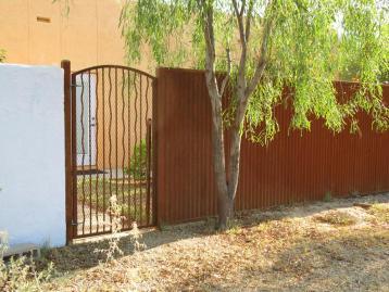 corrugated_gates_008