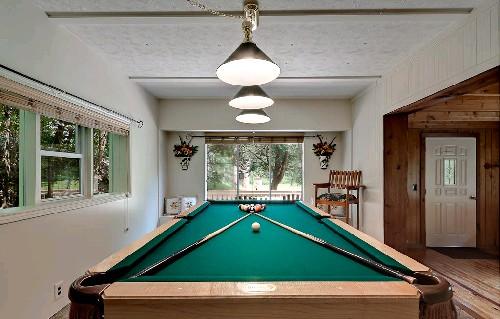 Willow Brook ChaletWillow Brook Pool Table 2