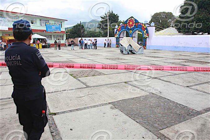 Explosión de cohetes deja seis heridos durante fiesta patronal en Edomex