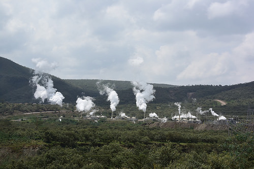 ケニアで普及する地熱発電!三菱商事とMHPS、オルカリア地区で14万KW級の発電所を建設!