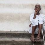 受給要件は年齢のみ!ザンジバル、東アフリカで初めて全ての高齢者に老齢年金を給付へ!