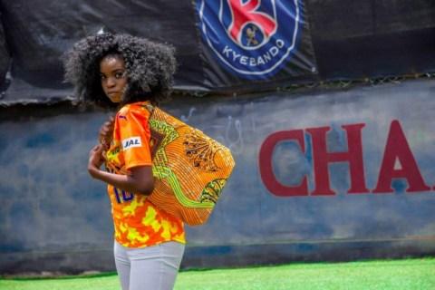 清水エスパルス、ウガンダのブランドと初コラボ!静岡出身の女性起業家と限定アケロバッグを販売!