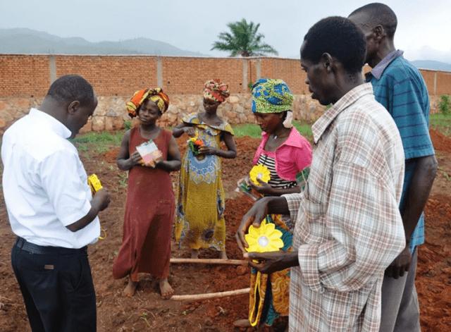 自然電力、CESELとLittle Sunと共にナイジェリアの非電化地域にソーラーランプを提供へ!