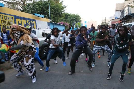 Danza di strada e dei Faux Lion