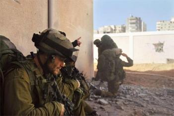 Le bilan s'alourdit d'heure en heure à Gaza. Israël a annoncé dimanche le renforcement de son offensive
