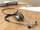 Le syndicat des internes et des résidents en médecine de Tunis (Le SIRT) a annoncé que les négociations au sujet du projet de loi sur les trois années de travail obligatoire des médecins spécialistes continuent avec le ministère de la santé publique. Les résidents de