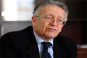 Le juriste Iyadh Ben Achour a affirmé que les élections générales ne peuvent pas avoir leu avant la fin de l'année en cours en raison de plusieurs indicateurs