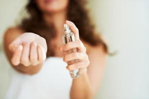 Le directeur régional du commerce au gouvernorat de Sidi Bouzid a démenti les informations faisant état de la découverte de parfums provoquant