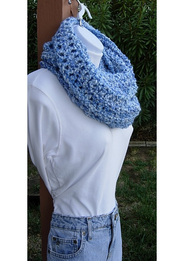 Used Products Delft Large Wide Long Blue & White Winter Crochet Infinity Scarf