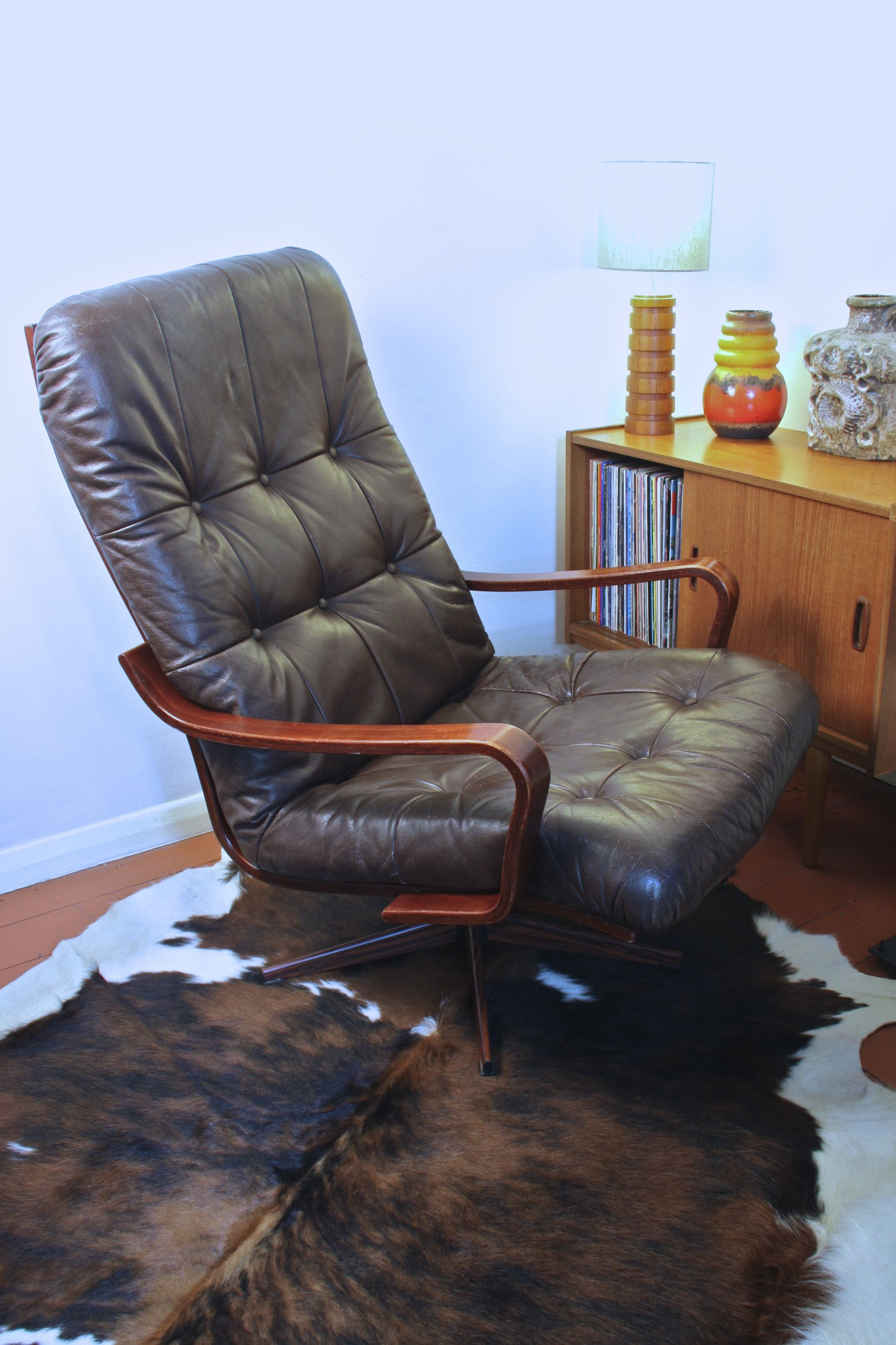 Danish Modern Leather Chair Danish Scandinavian Leather And Rosewood Swivel Lounge