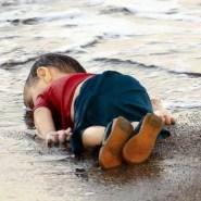 هذه قصة الطفل السوري الذي صدمت صورة غرقه العالم
