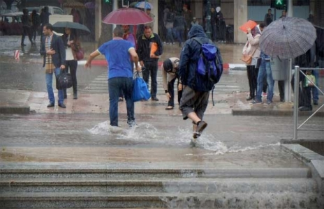 أخيرا:أجواء ماطرة وتساقطات ثلجية مهمة بالمغرب ابتداء من الأحد المقبل.