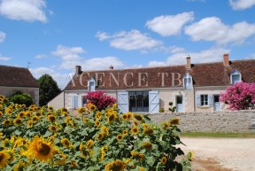 424 TBI PROPRIETE ANCIENNE EN TOURAINE