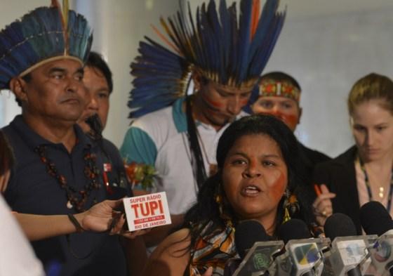 Brasília, 10/07/2013 – A índia Sonia Guajajara fala à imprensa após a presidenta Dilma Rousseff receber representantes dos povos indígenas, no Palácio do Planalto