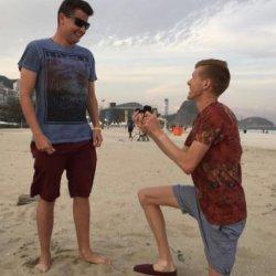 酷新聞:奧運出櫃選手賽後 海灘浪漫求婚 粉絲狂推支持
