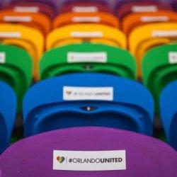 酷新聞:奧蘭多新球場啟用 「彩虹座位」紀念同志夜店槍擊案