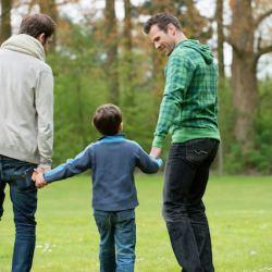 酷新聞:同志伴侶擔任寄養家庭22年  讓11名孩子感受家庭溫暖