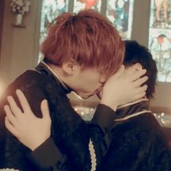 酷影音:日本男子團體MV腐味濃 4分鐘36次男男吻