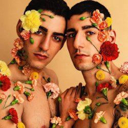 酷影像:花卉結合男體 綻放美麗視覺藝術