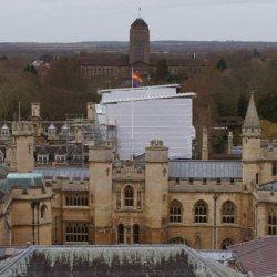 酷新聞:LGBT歷史月 劍橋大學升起彩虹旗