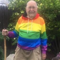 酷新聞:90歲老翁打破深櫃 變成同運人士