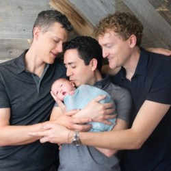 酷新聞:三人同志夫夫 打造多元有愛家庭 網友熱烈討論