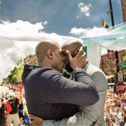 同志婚禮:遊行中的感人婚禮Gary&Michael