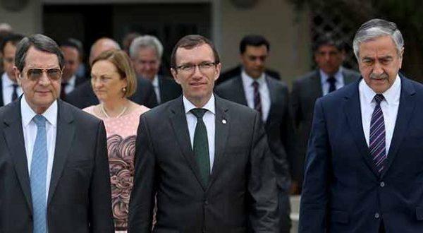 Προς Βελούδινο διαζύγιο η Κύπρος;