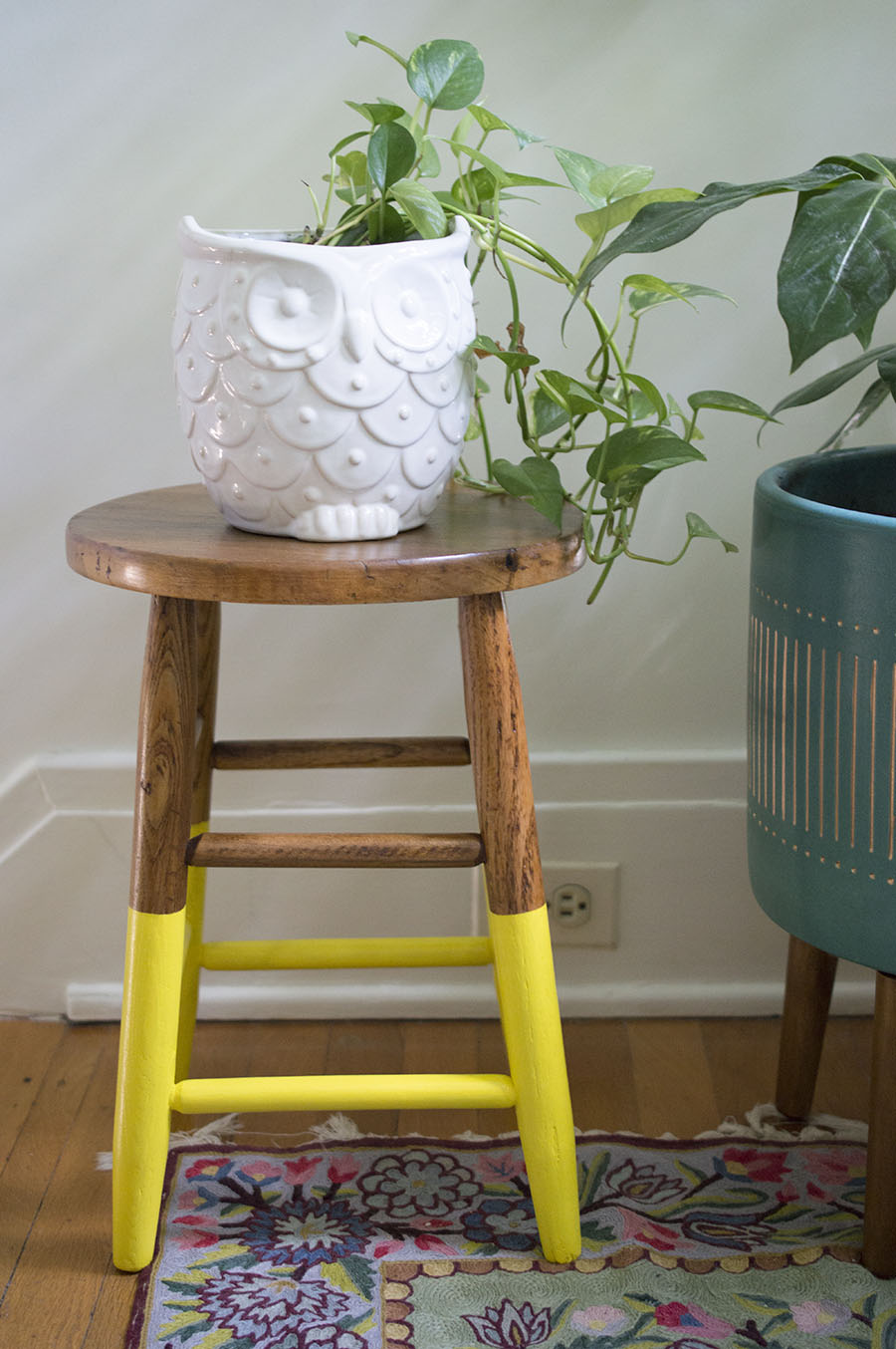How Many Coats Of Polyurethane On Wood Floors Paint-dipped Plant Stool - A Happy Stitch