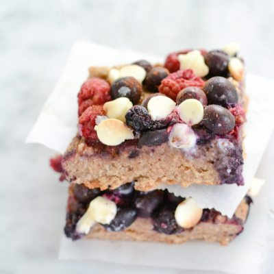 Berry Crumble Bars {gluten free}