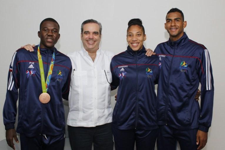 Abinader felicita a Luis Pie por haber logrado medalla en Rio