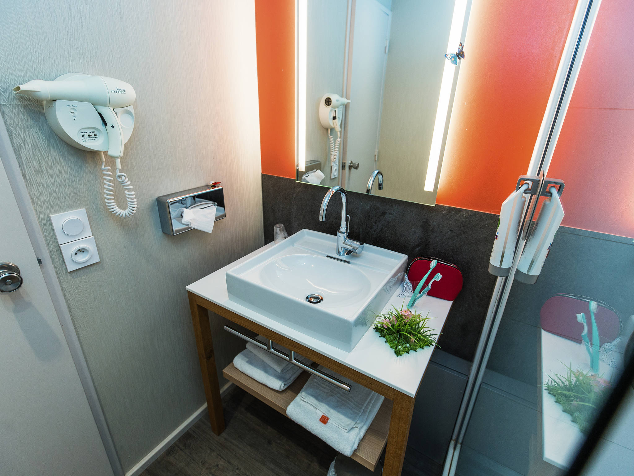 Türschließer Badezimmer Hotel In Chambray Les Tours Ibis Styles Tours Sud