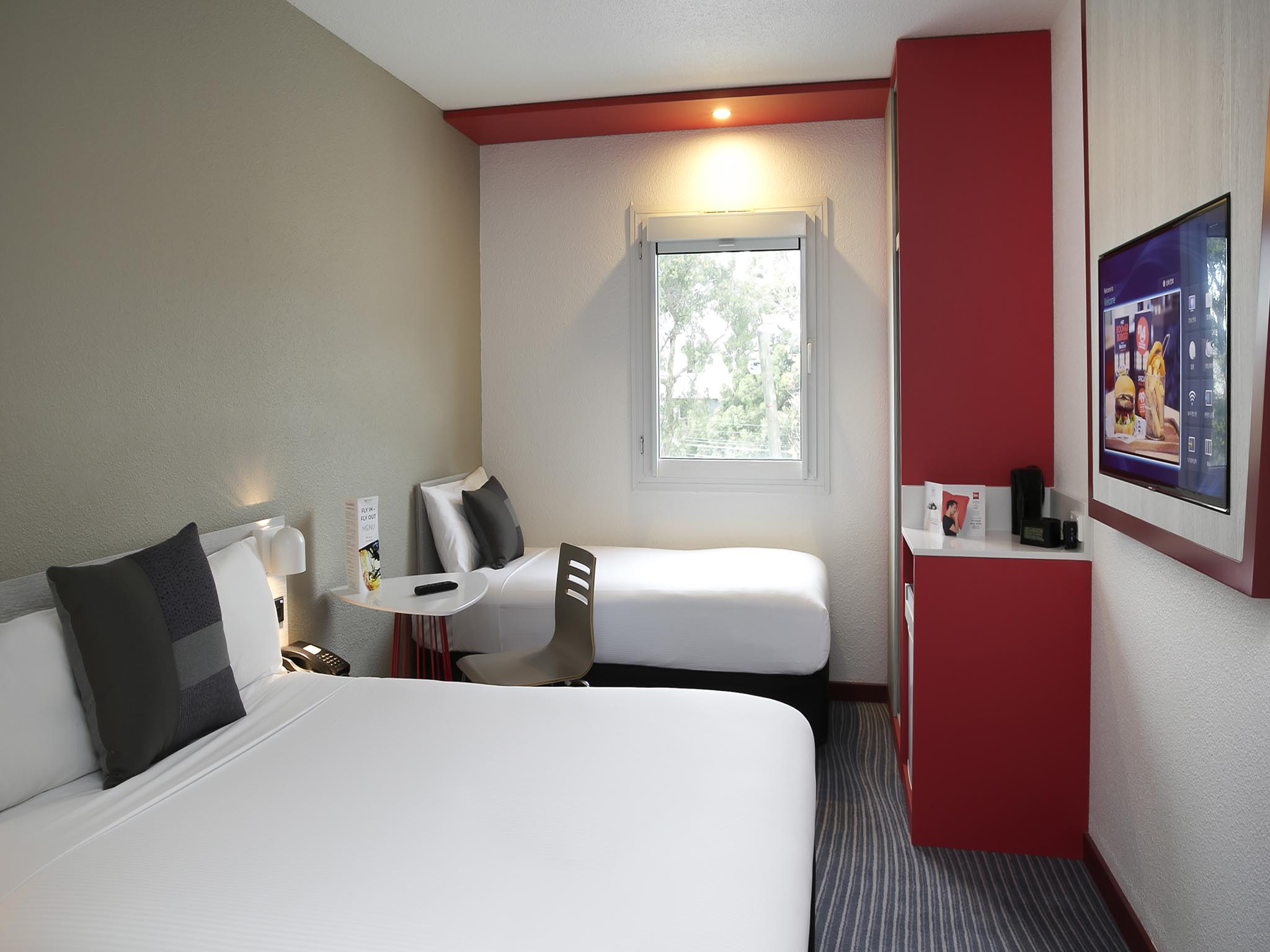 Mercure Hotel Sydney Airport Ibis Sydney Airport Accorhotels