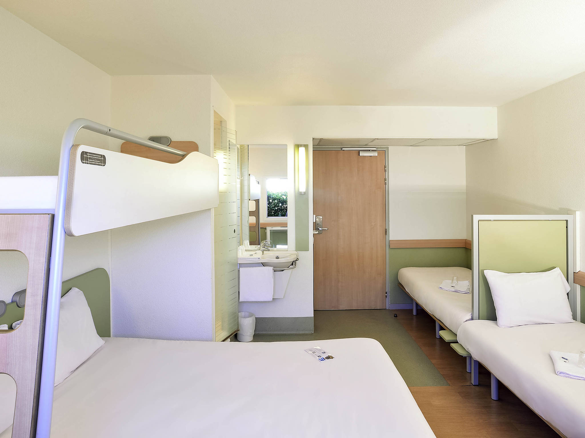 Chambre D Hote Issoire Hotel In Issoire Ibis Budget Issoire