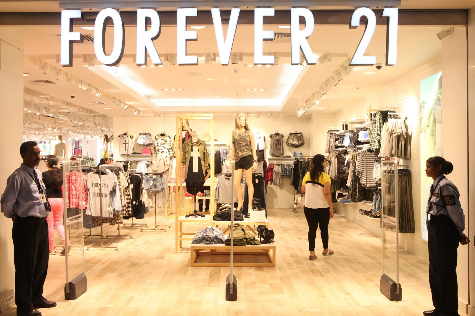 21 Forever Forever 21 39s New Store Opened At The Pacific Mall Delhi