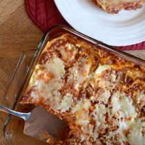 Roasted Garlic Three Cheese Lasagna. This is an easy to make family meal with no boil lasagna noodles. Vegetarian. Freezer Friendly. Kid Friendly. [ad] http://aileencooks.com