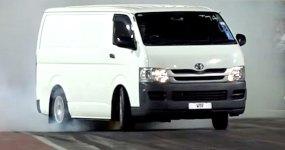 Toyota HIACE: Isto sim é uma viatura a sério!!!