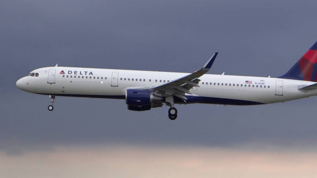 Delta Air Lines Fleet Airbus A321-200 Details and Pictures