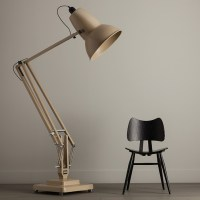 Oversized Floor Lamp by George Carwardine - Airows