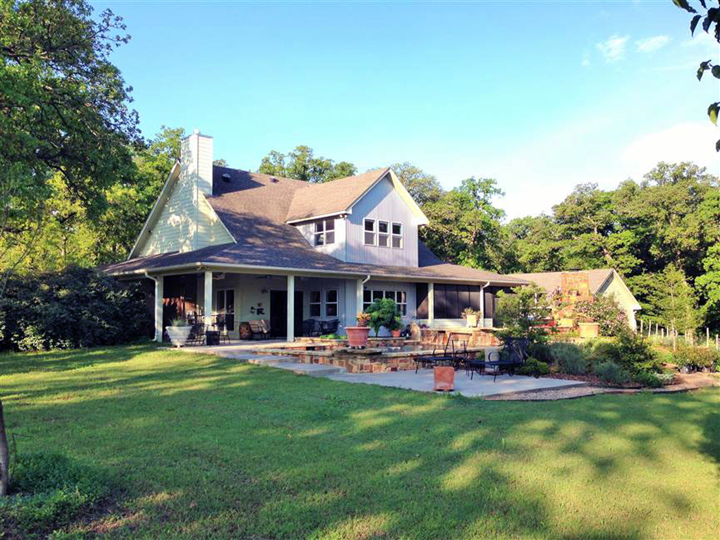 Farmhouse For Sale In Texas Texas Airports Hangars And Lots For Sale Hangars And Properties