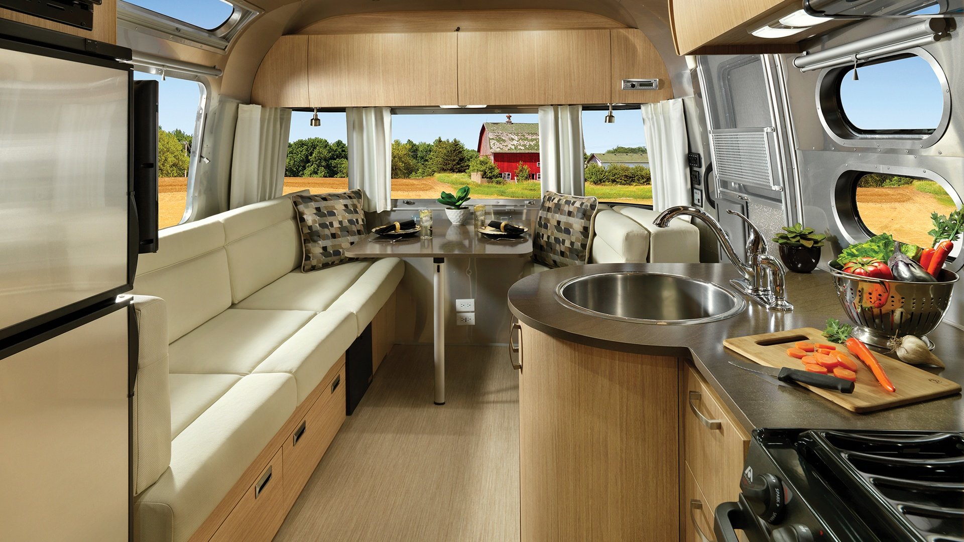 Sofa Cloud Flying Cloud | Travel Trailers | Airstream