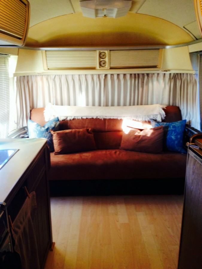 Sleeper Couch 1975 Airstream Tradewind 25 - Alabama