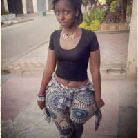 Kenyan Girl with Wide Hips and Slim Waist Rocks the Hood