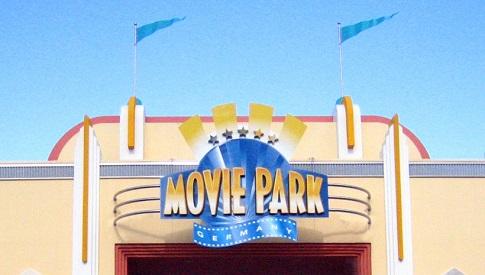 eingang movie park Movie Park Germany: Ein Park in der Schwebe