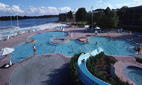 The Main Pool Contemporary Resort Plantschen mit Mickey Mouse – die besten Pools der Walt Disney World Resort Hotels