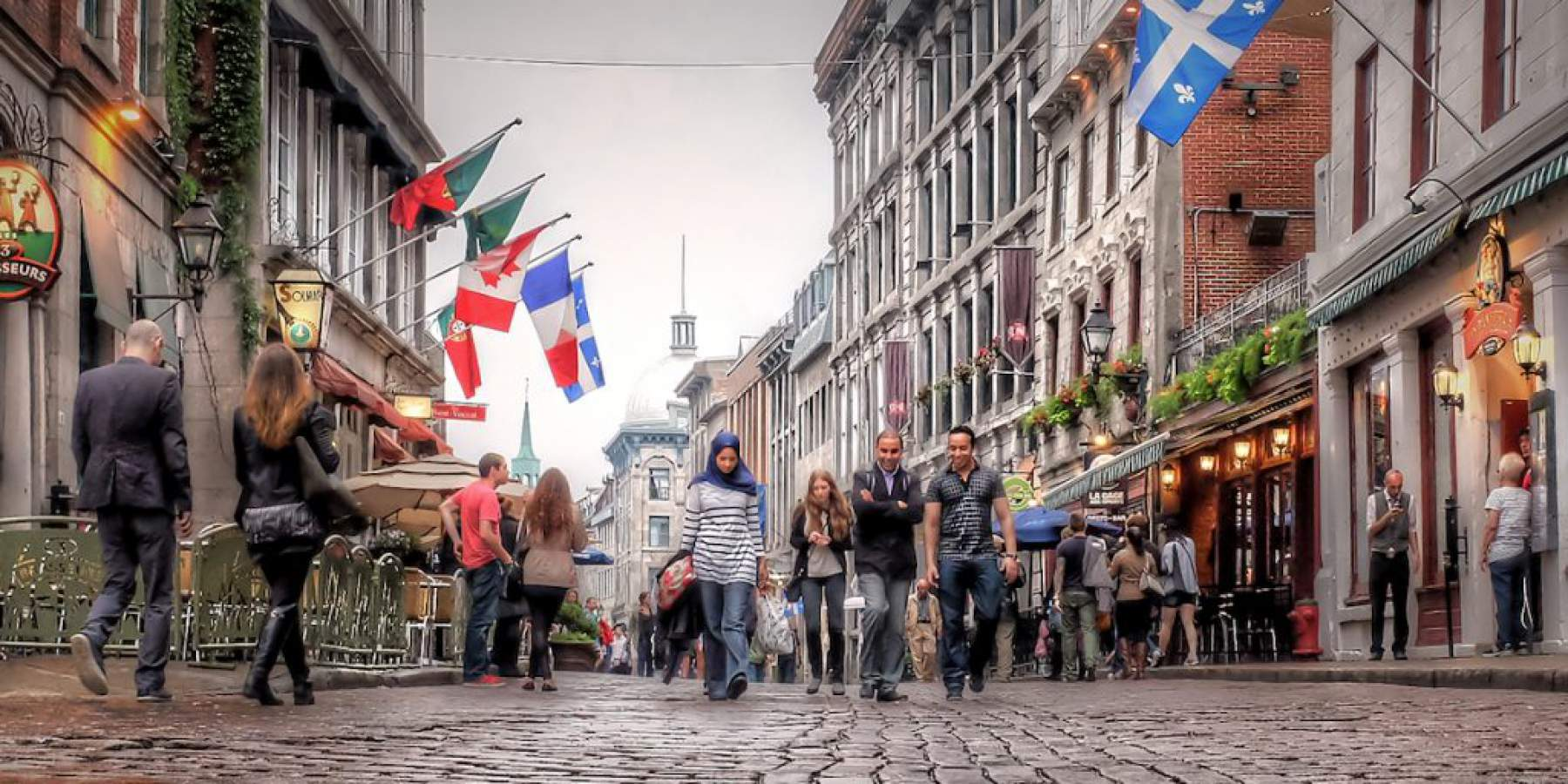 Quebec Montreal Street In The Old Montreal Quebec Canada Experiencetransat
