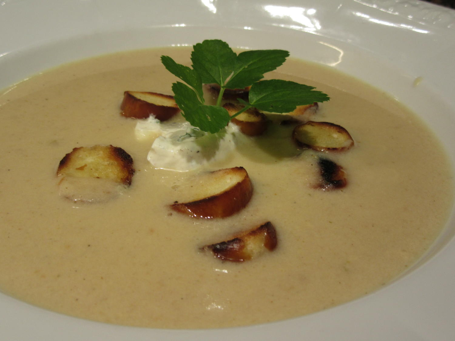 Apfel Cidre Suppen Apfelmost Cidre Suppe Mit Brezn Croutons